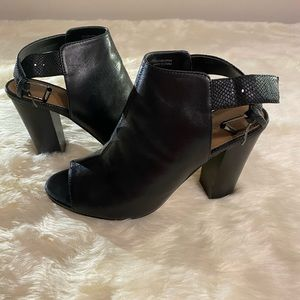 Tahari Black Leather Peep Toe Booties Size 6.5
